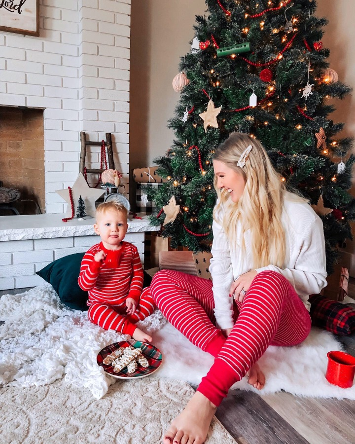 Festive & (nearly) free toddler activities to try this season + a few of my favorite resources!