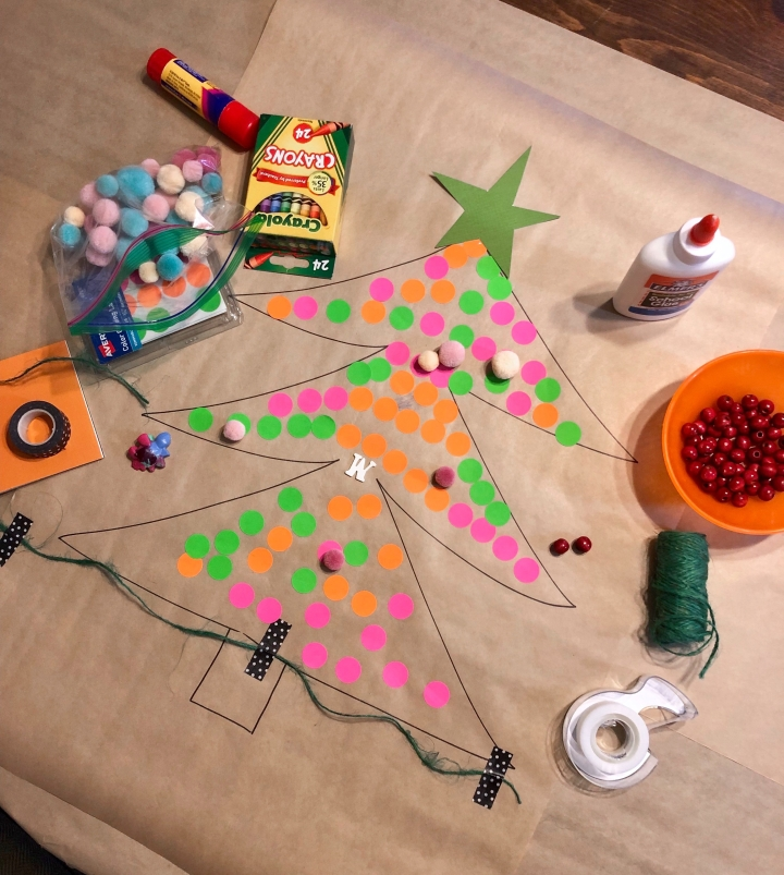 Easy toddler Christmas craft - Paper tree decorating